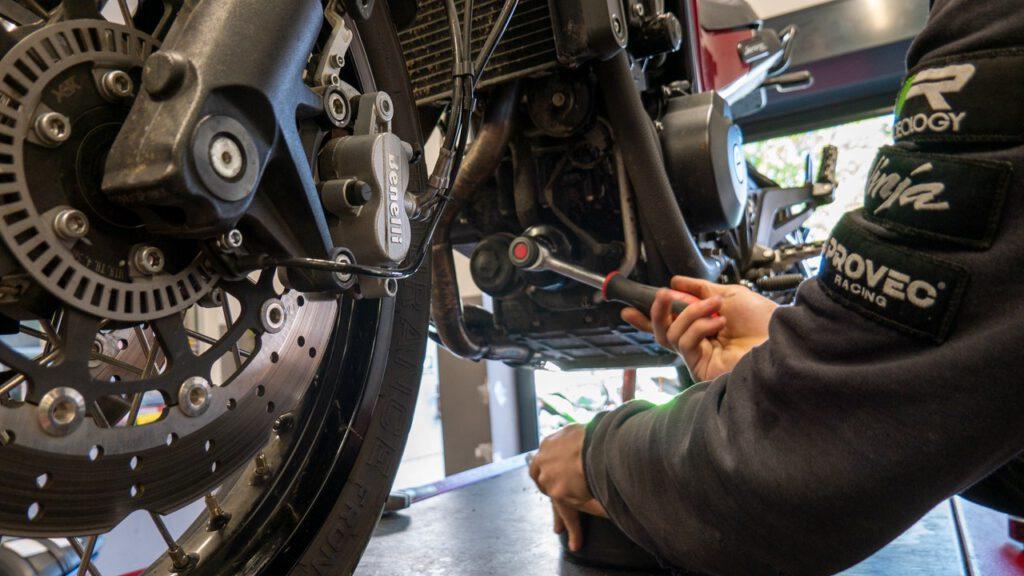 Posezonowy serwis motocykla